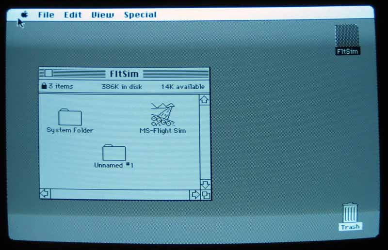 Screen shot of Macintosh Plus.  Finder by Steve Capps.